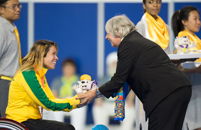 刚刚过去的泛美残疾人运动会上,礼仪志愿者阳光大方就好,绝不是焦点